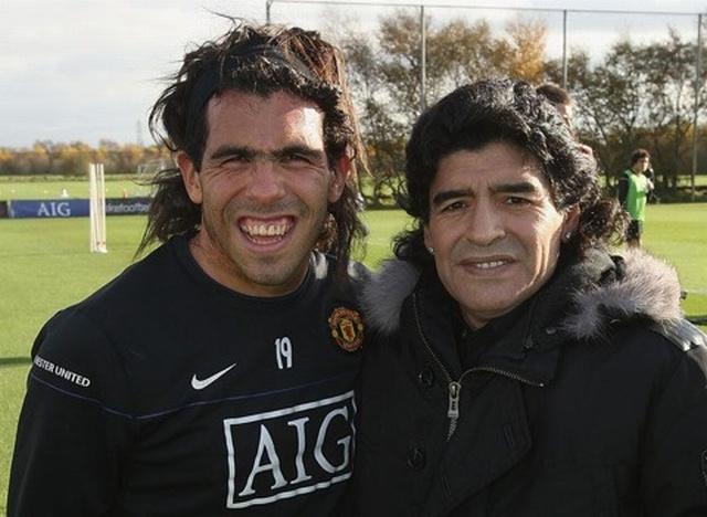 Carlos Tevez z mamą