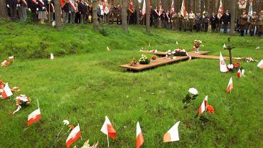 Otwarcie cmentarza w Katyniu