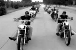 Motocykli�ci zablokuj� autostrad�