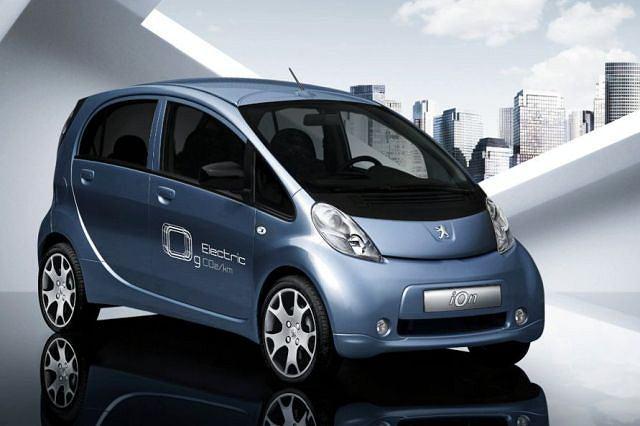 Peugeot iOn to tak naprawdę Mitsubishi i-miev, którego produkcję rozpoczęto w czrewcu tego roku