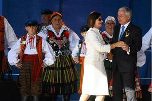 Prezydencki taniec ludowy po tragedii [WIDEO]
