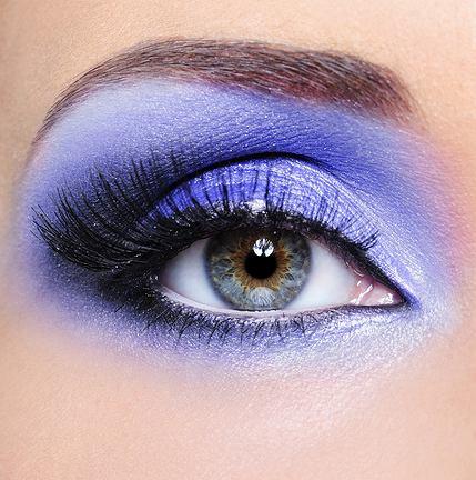 jak utrwalić makijaż oka