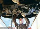 Konsekwencje jazdy ze zbyt niskim lub zbyt wysokim poziomem oleju silnikowego