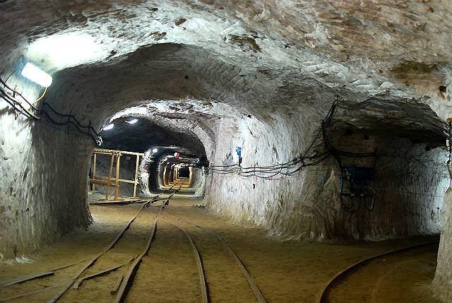 kopalnia soli w k�odawie sala leje potoki �ez