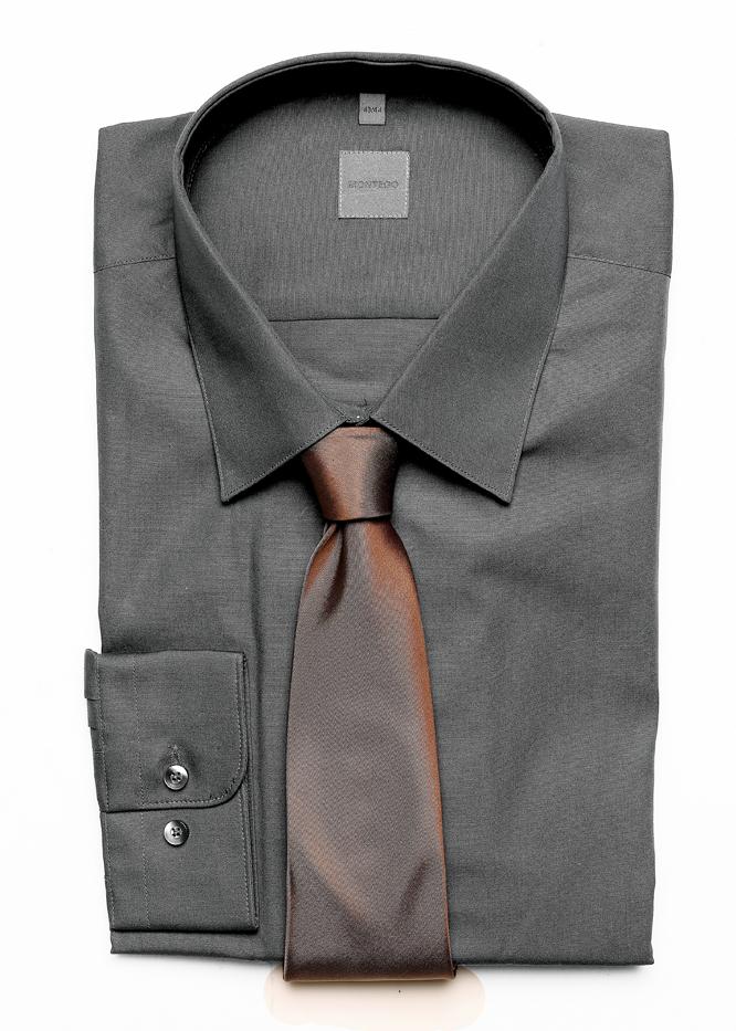 koszula, Montego, bawełna, rozmiary: 37-46, 89 zł, KENT krawat, Graf Longoria/Royal Collection, jedwab, 119 zł