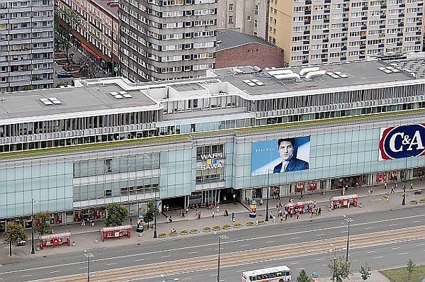 S ynne centrum handlowe w stolicy zmienia w a ciciela Sklepy designerskie warszawa