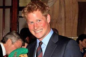 Książe Harry znów się śmieje.