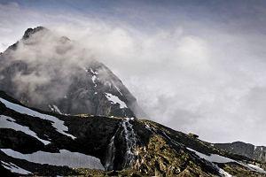 Ratownicy z Austrii uratowali w Alpach czterech polskich alpinist�w