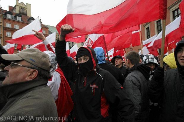 Marsz radykalnych narodowców w listopadzie 2010 r.