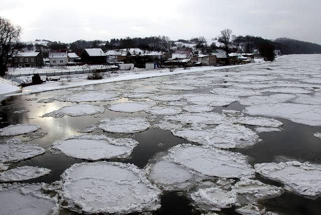 Odra w okolicach Krajnika 26 grudnia, gdy zalało miasteczka na Pomorzu Zachodnim