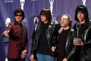 Zmar� Tommy Ramone, ostatni cz�onek oryginalnego sk�adu punkowej legendy Ramones