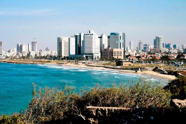 Izrael. Widok z Jafy na Tel Awiw