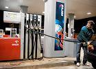 Benzyna coraz dro�sza. A wi�c je�li nie ropa, to co?