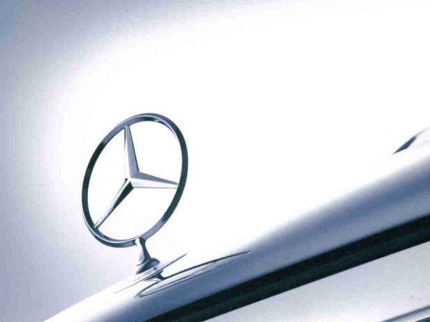 Mercedes | Spore premie dla pracowników