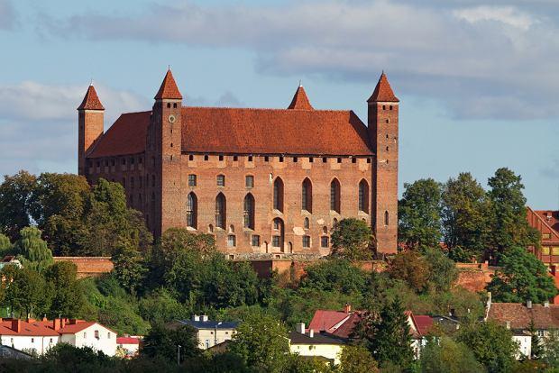 Zamek w Gniewie to najpotężniejsza twierdza zakonu krzyżackiego na lewym brzegu Wisły. Dziś jest po gruntownej odbudowie