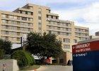 Szpital w Dallas, gdzie zmarł pacjent zakażony Ebolą