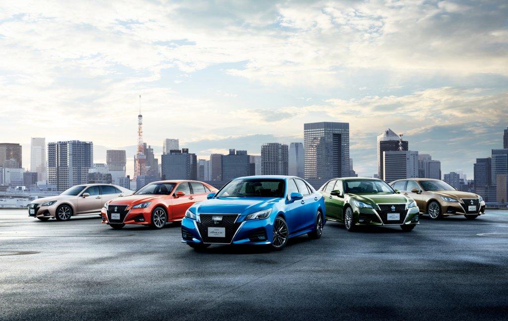 Toyota Crown 2015