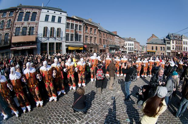 Belgia - Karnawał w Binche / shutterstock