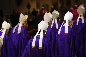 Włochy walczą z pedofilią. Kościół: Nowe prawo nas nie dotyczy