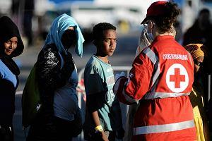 Fala migrantów, a premier Włoch: Bronię prawa do ratowania życia. Nie obchodzą mnie sondaże