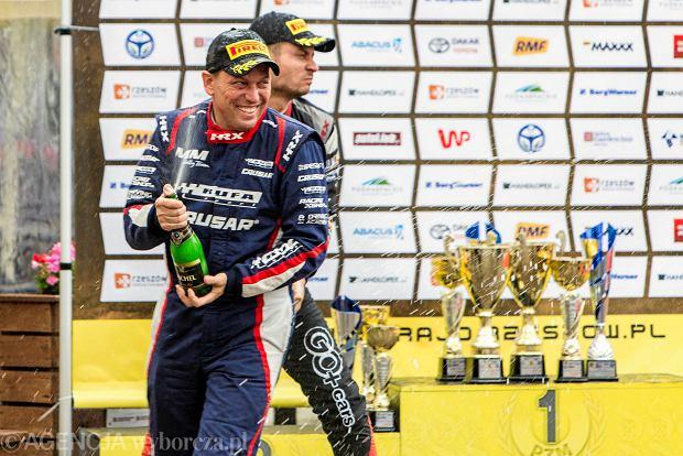 Zdjęcie numer 6 w galerii - 27. Rajd Rzeszowski. Nikolay Gryazin świętował zwycięstwo na rzeszowskim Rynku [GALERIA]