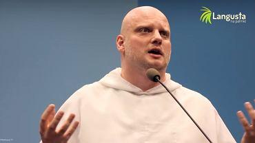Ojciec Adam Szustak prowadzi kanał 'Langusta na palmie'. Po obejrzeniu filmu 'Kler' chce odbyć pokutę za Kościół