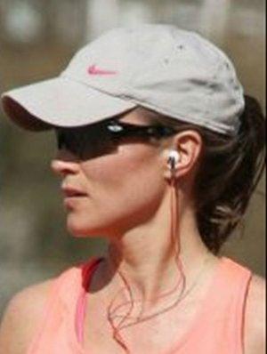 Jej siostra jest �on� ksi�cia, ale jej wolno wi�cej. Pippa Middleton biega. Bez stanika