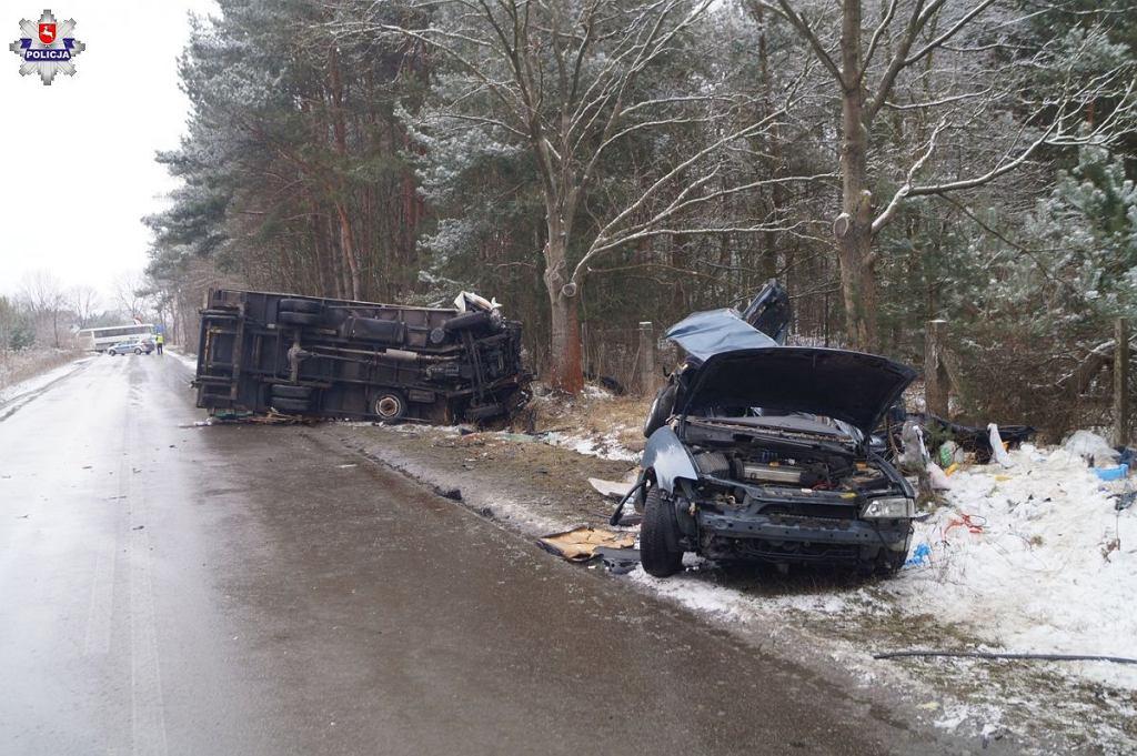 Wypadek drogowy w miejscowości Łuszczów Pierwszy