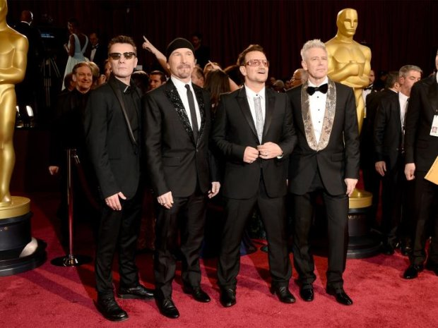 """W sieci pojawił się drugi teledysk do piosenki """"Song for Someone"""" zespołu U2."""