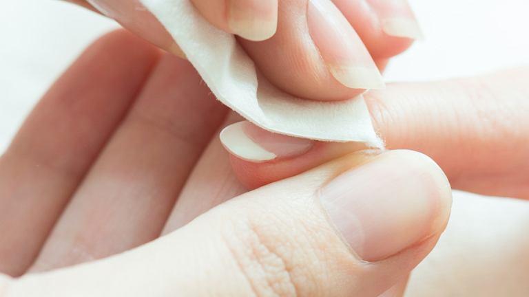 Profesjonalne zmywanie paznokci