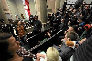 Sejm uchwali� ustaw� podwy�szaj�c� �wiadczenia piel�gnacyjne. Jeden pose� przeciw: Przemys�aw Wipler
