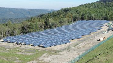 Na górze Żar niedaleko Żywca funkcjonuje najwyżej położona w Polsce elektrownia fotowoltaiczna