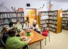 Niezwyk�a biblioteka w Barcicach pod Starym S�czem - rzucili�my si� na ni� jak s�py