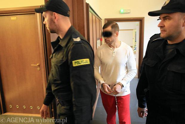 """""""Bukaciak"""" posiedzi 25 lat. Szef gangu z Konstancina przyznał się do większości z 22 zarzutów"""