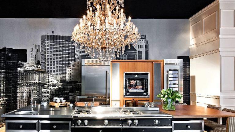 Piece kuchenne La Cornue to połączenie najnowszych osiągnięć techniki z tradycyjną obudową w stylu retro.