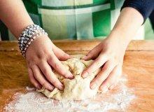 Ciasto drożdżowe słodkie - ugotuj