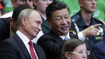 Prezydenci Rosji i Chin podczas szczytu we Władywostoku