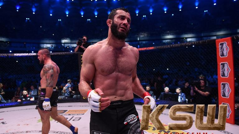 Mamed Khalidov walczy z Borysem Mańkowskim na gali KSW 39 Colosseum