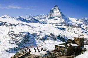Zima na stokach czterotysięczników. Wallis w Szwajcarii - nie tylko narty.