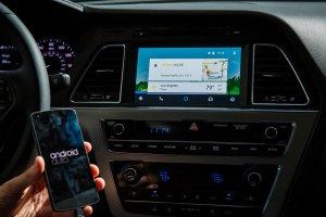 Hyundai wygra� wy�cig po system Android Auto