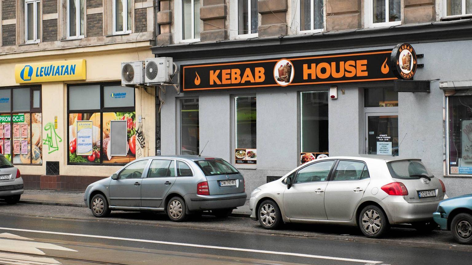 Atak na kebab wroc awianie chc pom c w a cicielowi for Classic kebab house stechford