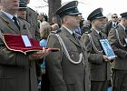 Baniocha na rocznicę katastrofy smoleńskiej: odwołane lekcje, przemarsz ulicami, msza