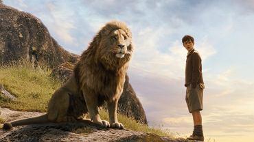 Kadr z filmu 'Opowieści z Narnii: Lew, czarownica i stara szafa'
