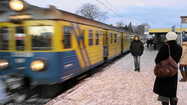 Gdynia Chylonia - przystanek kolejki SKM podczas strajku na kolei 25 stycznia