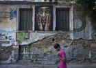 """Tak wygl�da kryzys. Niesamowite graffiti powstaj� w Atenach. """"Europa bez Grecji jest jak impreza bez..."""""""