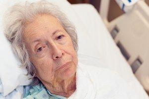 Leczenie odleżyn od A do Z - leczenie ogólne, rodzaje opatrunków, etapy gojenia rany