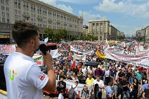 Rolnicy do Morawieckiego: Żarty się skończyły! To nie my produkujemy ten syf, który dominuje na półkach supermarketów