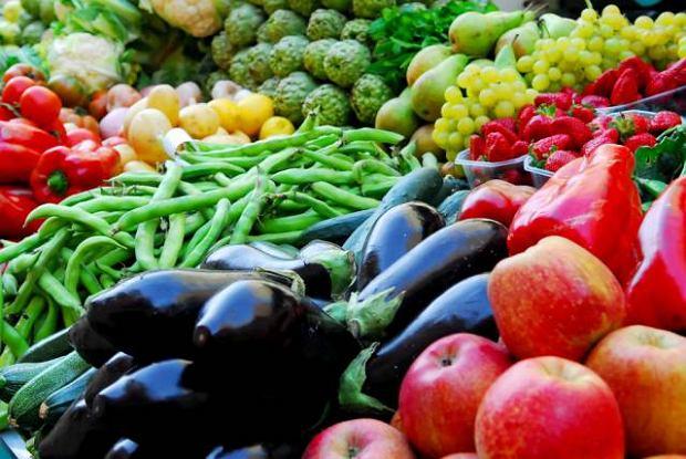 Wi�kszo�� owoc�w i warzyw zawiera ma�o t�uszczu i kalorii