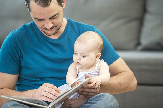 Gdy tata opiekuje się dzieckiem, mama będzie mogła w tym czasie zająć się tym, na co ma ochotę.