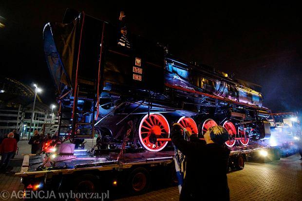Zdjęcie numer 51 w galerii - Lech Poznań ma już swoją lokomotywę. Parowóz stanął przed stadionem przy Bułgarskiej